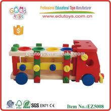 Camión de madera del juguete de la herramienta