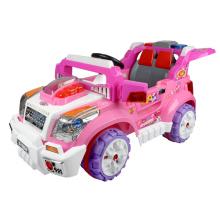 Kinderwagen fahren auf Spielzeug (99850)