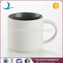 YSm0021 Atacado dentro de cor fora caneca de cerâmica branca 15 oz para promoção
