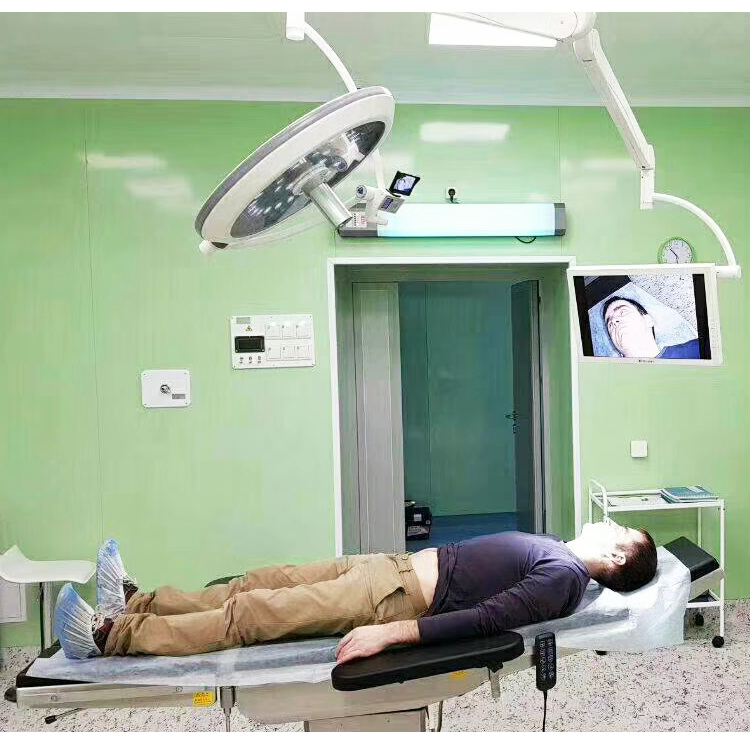 surgical light with camera