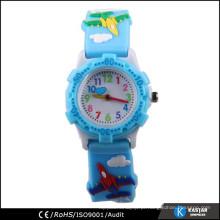 Impressão engraçada no relógio de faixa para criança pequena