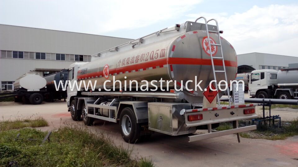 Aluminum fuel dispensor truck