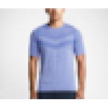 Fábrica diretamente atacado de boa qualidade sem costura T-shirt em execução