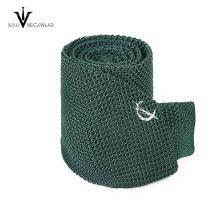 Cravate tricotée de polyester de couleur unie de mode faite sur commande pour les hommes
