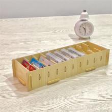 Holzkiste mit zehn Boxen Business-Karten