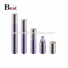 Produits chauds 5ml 10ml verre rouleau sur bouteille brillant violet parfum rouleau sur la bouteille avec capuchon en aluminium doré et boule en métal