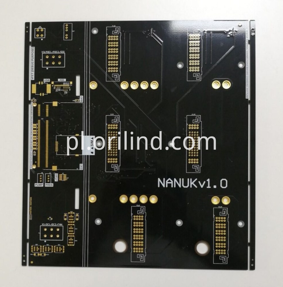With countersunk hole circuit board