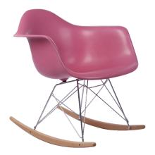 Пластиковые стулья Eames RAR для гостиной