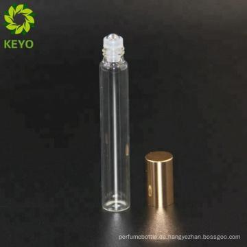 Glasflaschenstrudelrolle auf weißen Rollenflaschen Flaschen 10ml des ätherischen Öls für Parfümrolle an