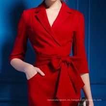 Vestidos de lápiz hermosos elegantes que usan las mujeres con cinturón