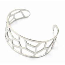 Abrir bracelete de aço inoxidável com gravura oca