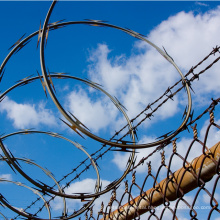 Galvanized High Security Concertina Crossed Barbed Razor Wire Fence In Stock