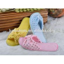 Cores personalizadas chinelo interior com lantejoulas mulheres inverno sapatos 2016 deslizamento em casa sapatos