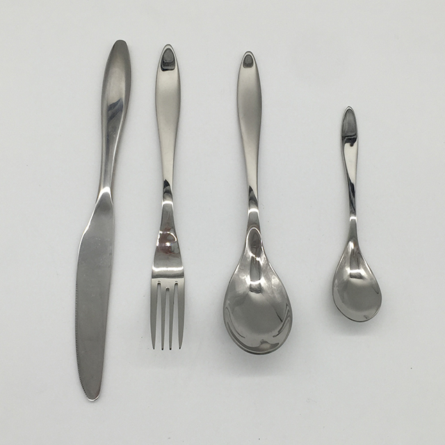 4 Pcs Stainless Steel Cutlery Set 1