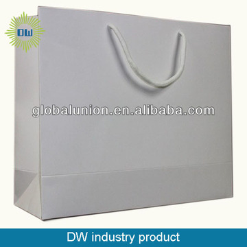 wholesale OEM quality gift paper bag cheap price