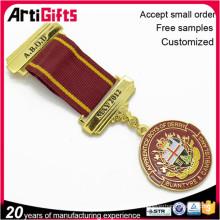 Wholesale souvenir métal personnalisé dur émail médaille et badge