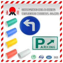 Panneau de signalisation avec un matériau réfléchissant (TM7600)