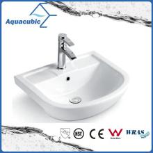 Salle d'eau semi-encastrée Baignoire en céramique lavabo à main (ACB8545)