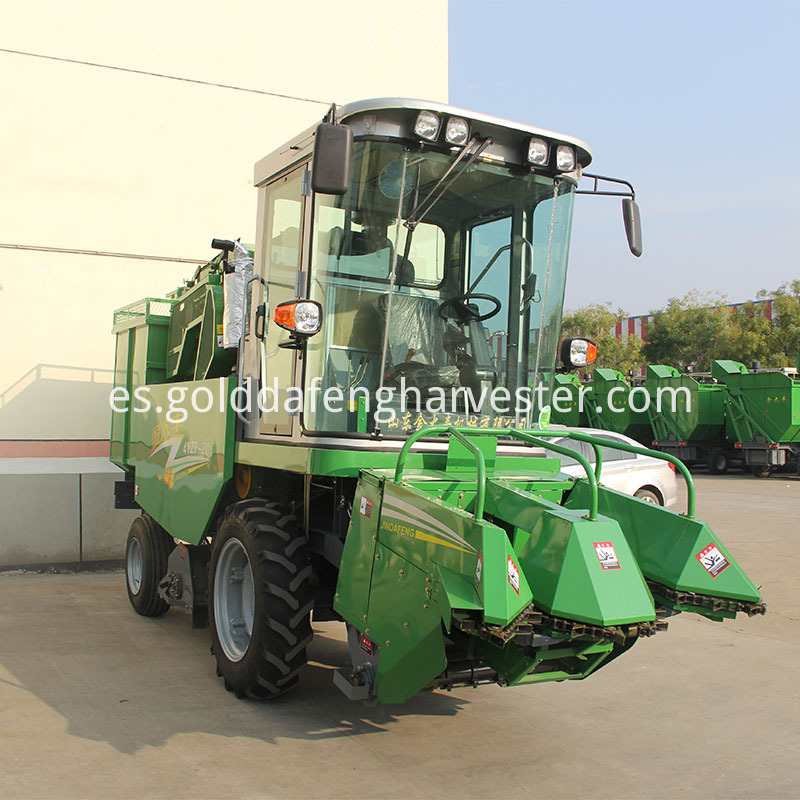 Corn Maize Combine Harvester self-propelled
