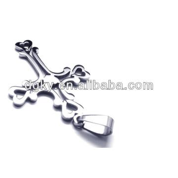 Colgante cruzado inoxidable de la cruz del corazón de los encantos
