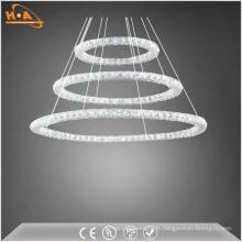 Lustre moderne à trois anneaux LED en cristal d'intérieur