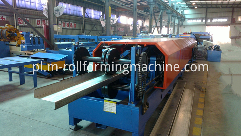 Galvanized steel z purlin profile forming machine