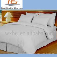 Literie blanche douce superbe de polyester d'hôtel de haute qualité pour la maison et l'hôtel