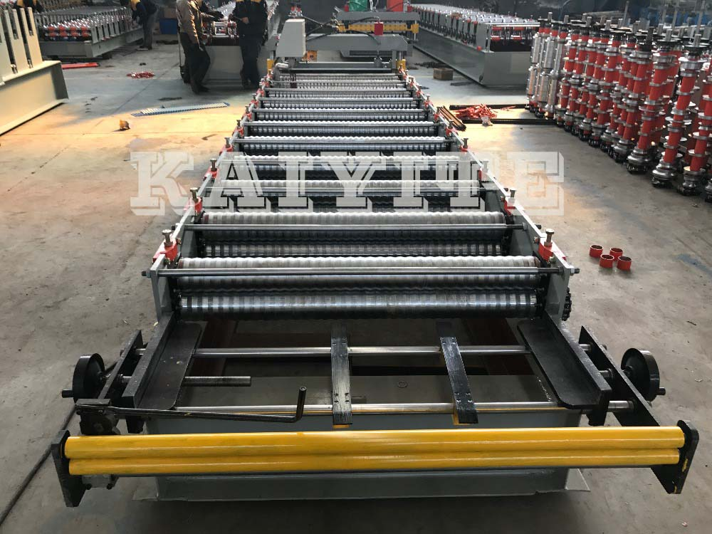 Corrugated Roof Wall Roll Forming Machine