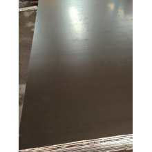 Noyau de peuplier de film de contreplaqué de Brown de coffrage de plancher en béton