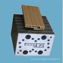 Molde de extrusión para perfil de PVC WPC
