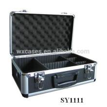 boîtier en aluminium portable pour appareil photo avec compartiments ajustables à l'intérieur du fabricant