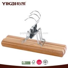Cabides em bambu