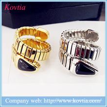 Schwarze Onyx Schlange Kopf Titan Stahl Feder Ring 18k vergoldeten verstellbaren offenen Ring