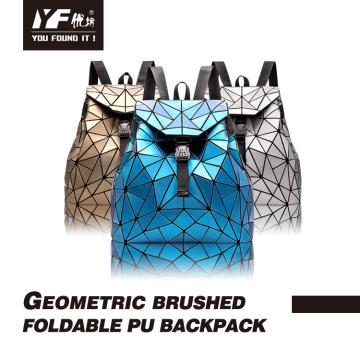Geometrischer Foldbale-Rucksack aus nachtleuchtenden Seidenstoffen