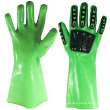 NMSAFETY guantes de PVC verde guantelete con chips TPR en la parte posterior