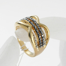 Royal Design Gold Plated women rings with Rhinestones Surrounded Crystal Rings for woman wholesale