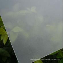 Feuille de polycarbonate translucide givré