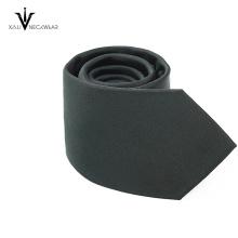 Cravate tricotée de polyester de couleur solide de mode chaude de vente