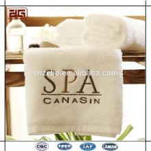 Logotipo personalizado del bordado 100% algodón blanco Venta al por mayor de toallas de hotel
