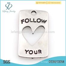Personalizado único siga su corazón encanto carta diseño joyas