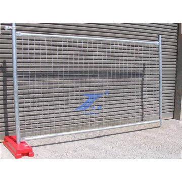 Einfache Installation von mobilen temporären Zaun