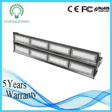 L'entrepôt a employé la lumière linéaire élevée de LED de baie de pendentif de système linéaire de tronc de LED