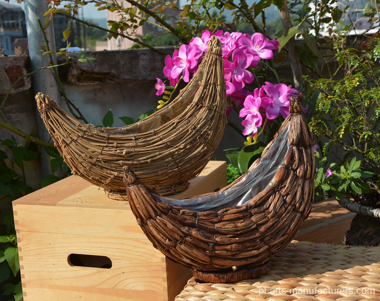 Weaving Rattan New Moon Donica