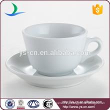 Clássica, branca, porcelana, hotel, restaurante, volume, chá, copo, saucer