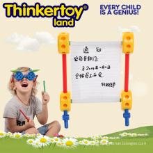 Vorschulpädagogisches Spielzeug, das das Potential des Kindes freigibt