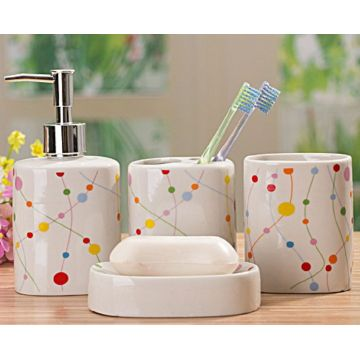 4 PC Of Printed Ceramic Bath Set