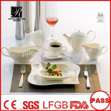 Plaques de porcelaine blanches en gros et en gros ensembles de vaisselle de haute qualité pour banquet restaurant