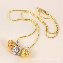 Collier tricolore à billes / perles