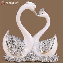 Decoração de mesa de casamento beijando estátuas de resina de cisne