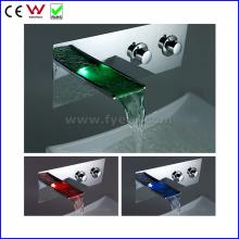 China Wall Ware Sanitária Montada Torneira LED (FD15202WF)